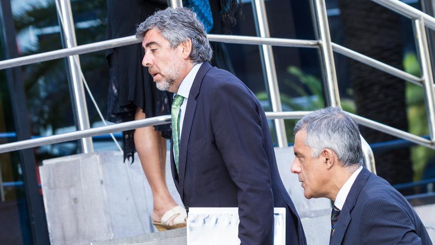 El abogado de Ignacio González Martín, Jesús Silva (derecha), y el letrado de Antonio Plasencia (Aarón S. Ramos)