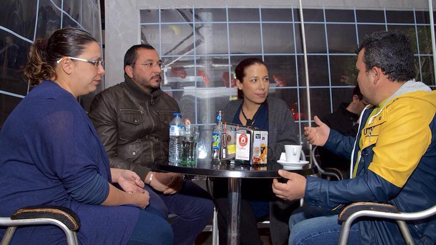 La candidata del PSOE al Gobierno canario, Patricia Hernández, se reúne con representantes de la Plataforma de Afectados por la Vivienda Usada Canaria.