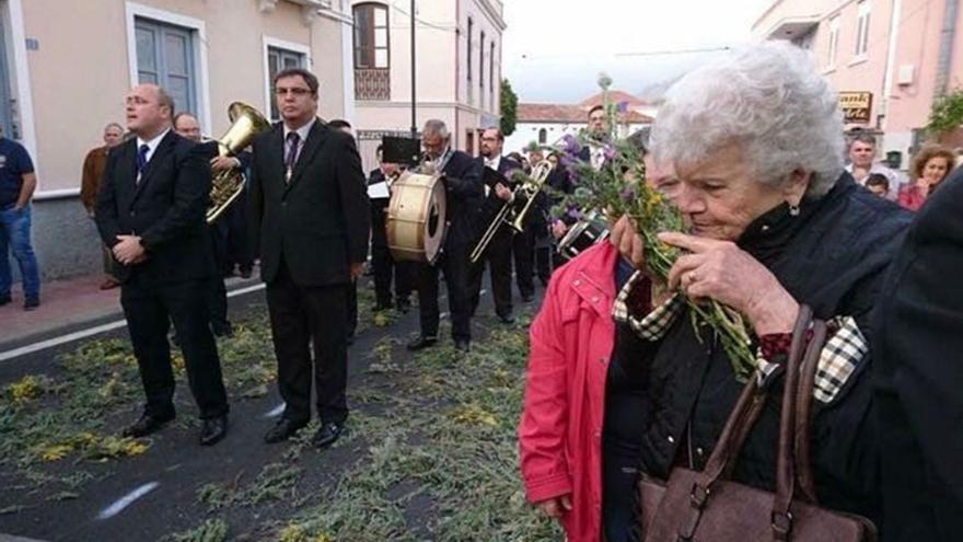 Zebenzuí González, en la procesión de Semana Santa de Tejina