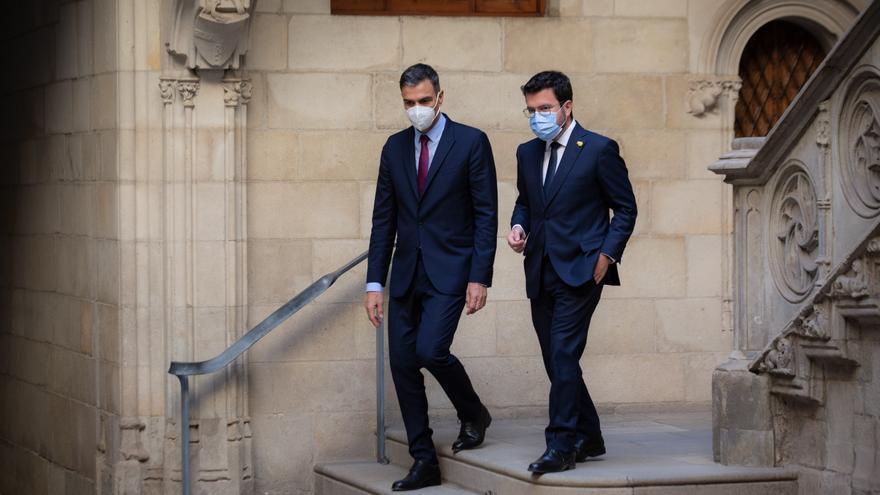 Pedro Sánchez y Pere Aragonès, a su salida de la reunión en el Palau de la Generalitat.