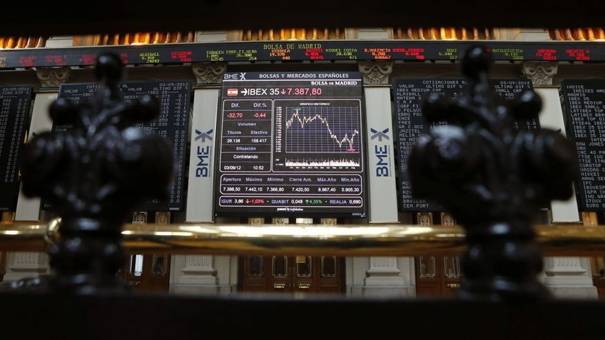 La bolsa española comienza la sesión en negativo y el IBEX cede el 0,53 por ciento