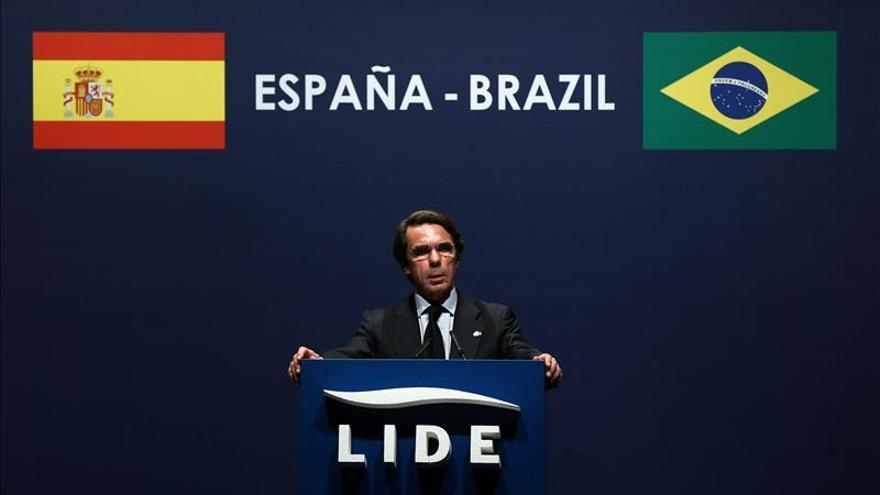 Aznar subraya que la corrupción debe atajarse decididamente en cualquier circunstancia