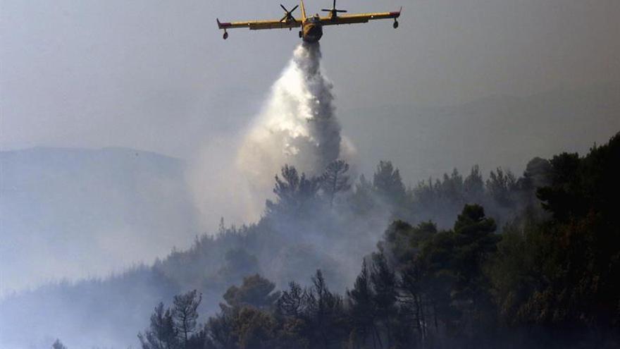 Queda controlado en Grecia el gran incendio en Ática oriental