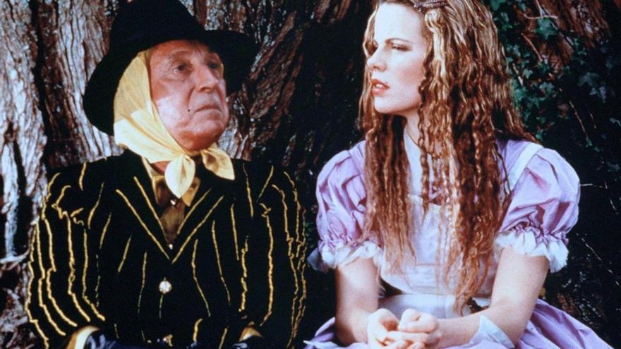 2 Alicia y el espejo mágico (John Henderson, 1998) - Projector Pictures