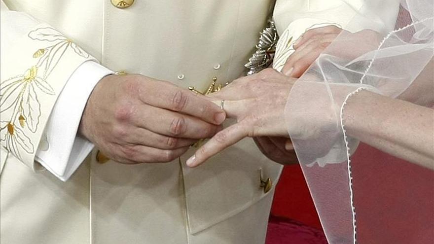 Las disoluciones matrimoniales se reducen por primera vez desde 2013