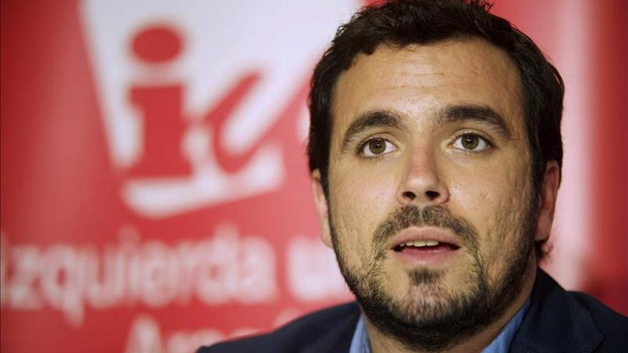 """Alberto Garzón dice que el PP """"está aterrorizado"""" por el fin del bipartidismo"""