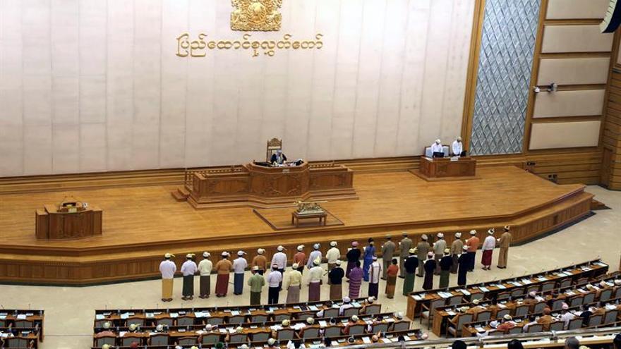 Birmania juzgará a 51 trabajadores que se manifestaban por reformas laborales