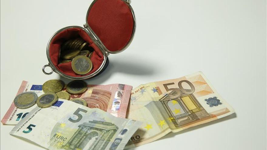 El euro sube 1,0693 dólares en Fráncfort