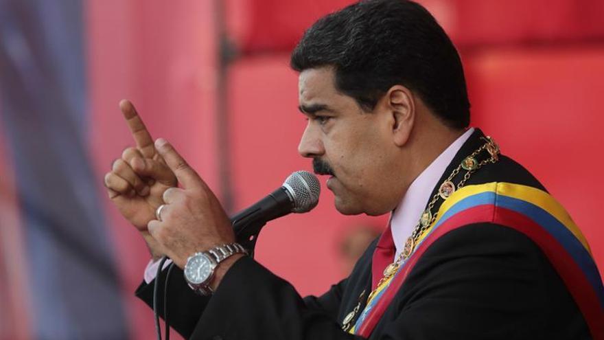 Maduro insiste en diálogo nacional aunque critica papel de oposición en la OEA