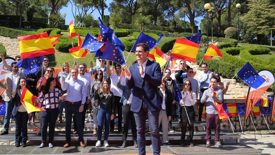 """Rivera plantea una tarjeta sanitaria única en toda España """"en vez de hablar de los huesos de Franco"""""""