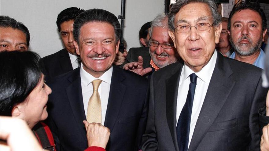Renuncia de Cárdenas muestra derrumbe de izquierda mexicana, según analistas