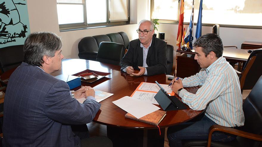El Cabildo de Gran Canaria y el Gobierno regional han acordado este miércoles impulsar la ampliación de las depuradoras de Jinámar y Bocabarranco.