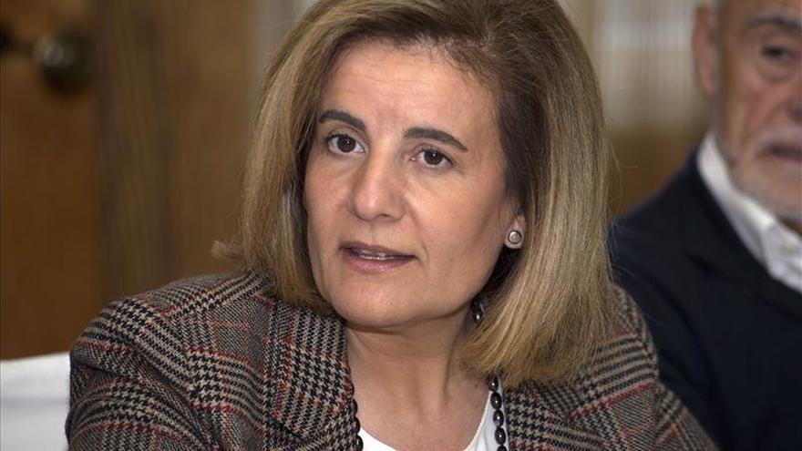 """Fátima Báñez asegura que España está viviendo una recuperación """"muy social"""""""
