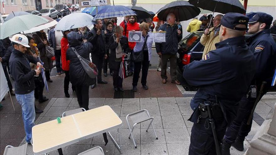 La Fiscalía de Cantabria acuerda abrir diligencias sobre la venta de preferentes