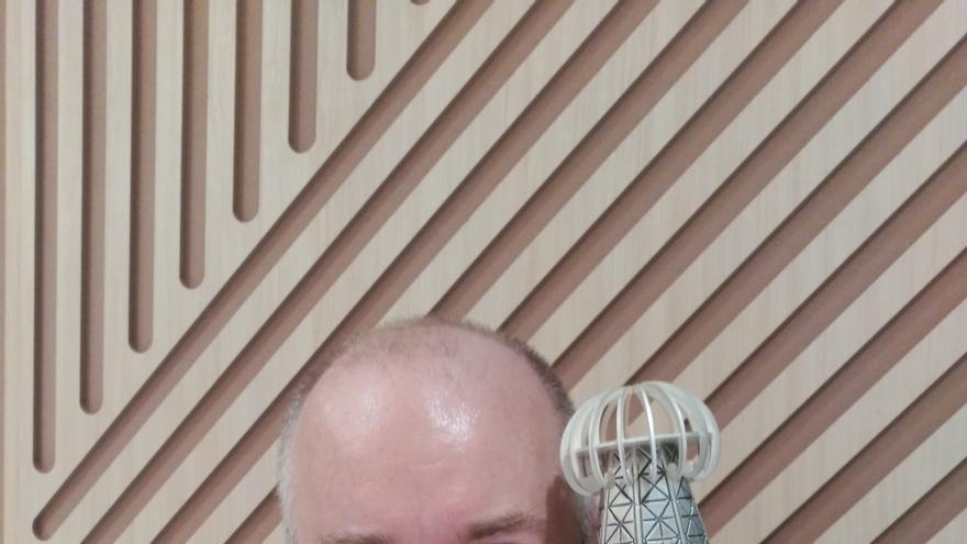 El profesor de la UPNA Joaquín Sevilla recibe el Premio Tesla de divulgación científica