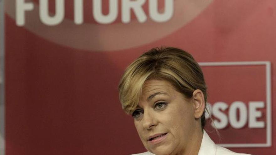 Valenciano ve a Rajoy maniatado para gobernar por las contradicciones del PP