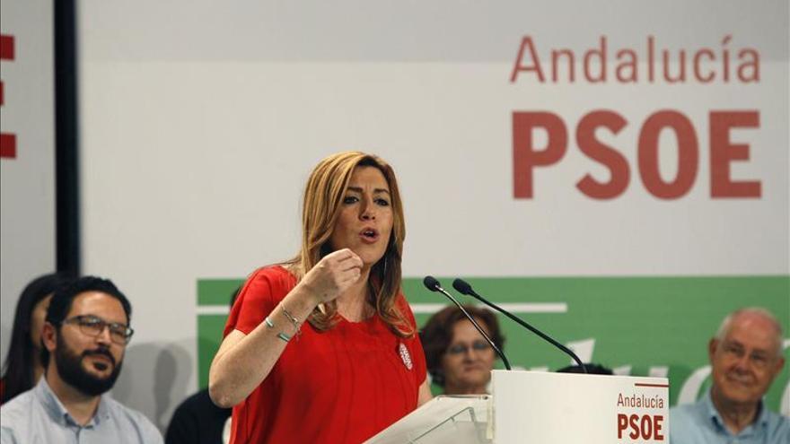 """Díaz acusa de ponerse """"detrás de Rajoy"""" a los que """"dicen que vienen de nuevo"""""""