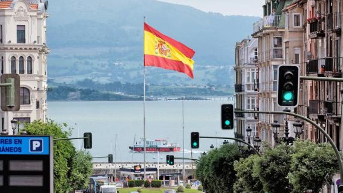 Bandera española en Puertochico.