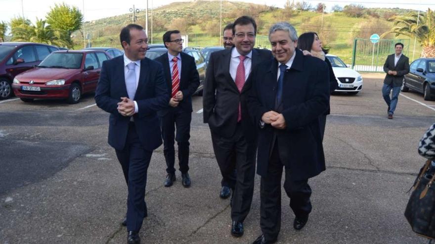 Vara, acompañado de autoridades lusas en Elvas / Junta