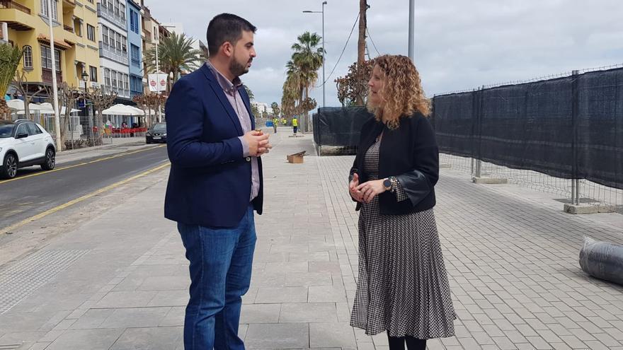 Borja Perdomo y Raquel Díaz.