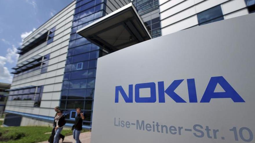Nokia perdió 615 millones de euros netos en 2013, un 80 por ciento menos