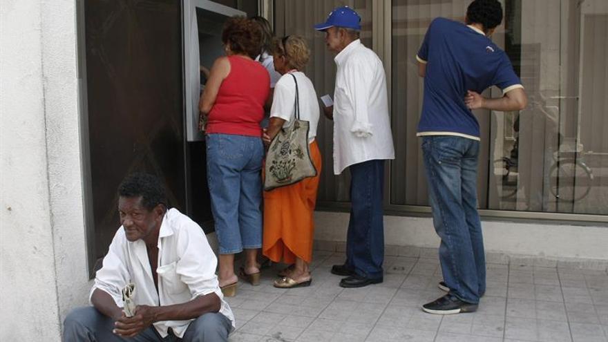 Cuba da luz verde a las tarjetas MasteCard en los cajeros automáticos habaneros