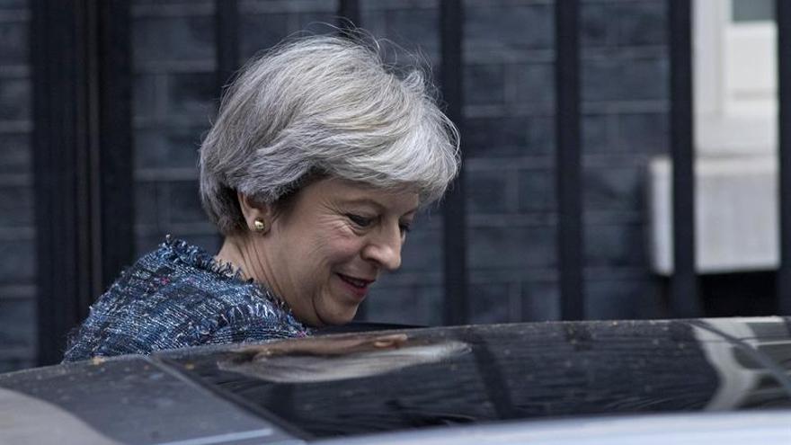 """May viaja a Canadá para analizar planes sobre un acuerdo tras el """"brexit"""""""
