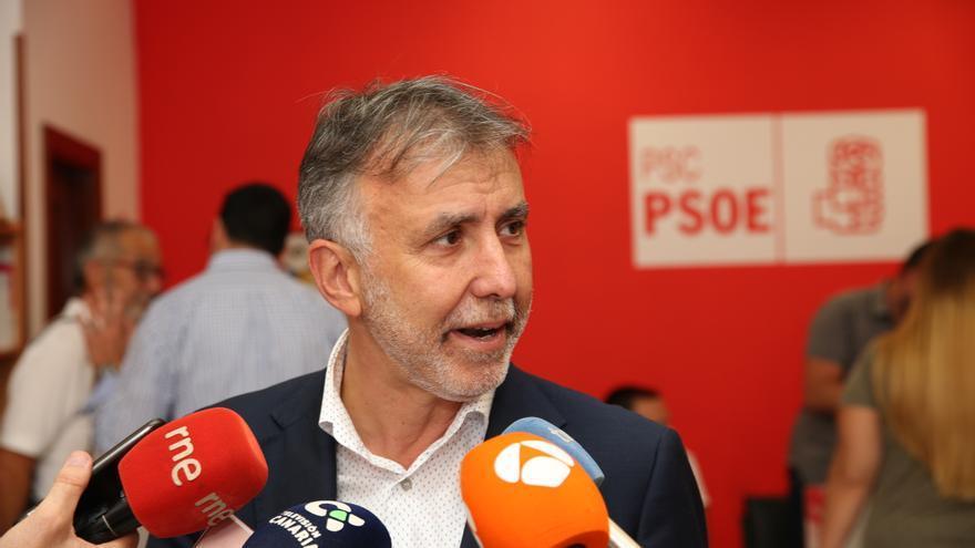 El nuevo secretario general del PSOE de Canarias, Ángel Víctor Torres.