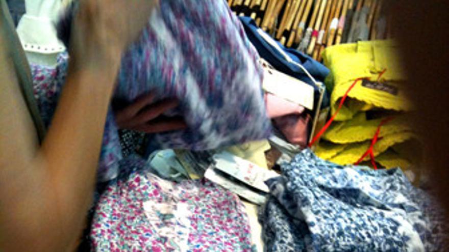 Ropa, textil, rebajas, comercio