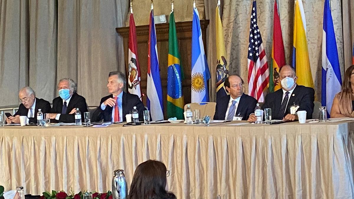 Macri, lobby con Almagro y despliegue antipopulista