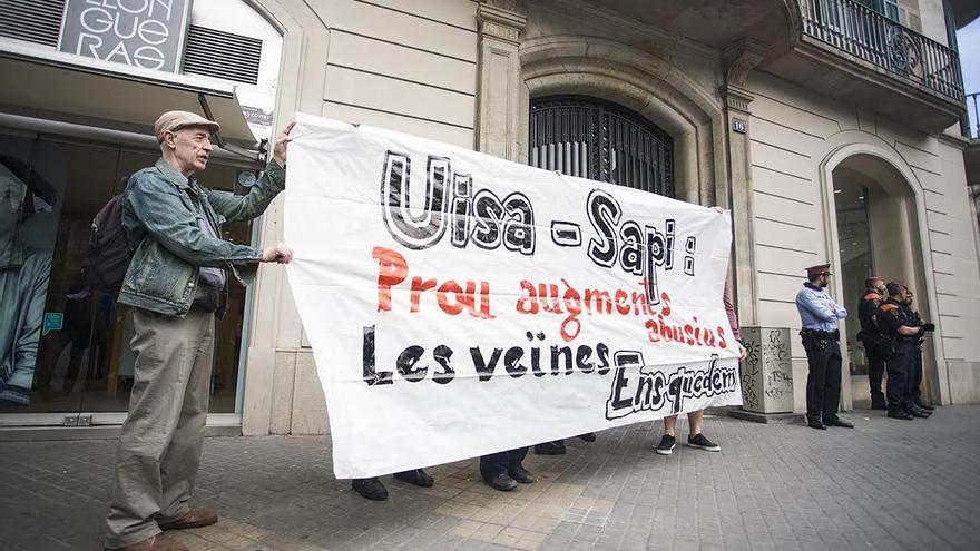 Protesta a las puertas de la inmobiliaria UISA-SAPI