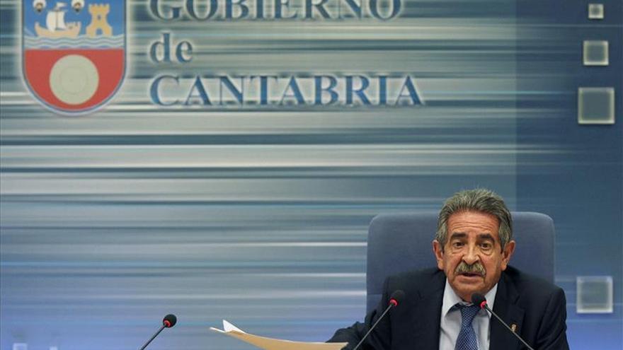"""Revilla dice que Rajoy """"ningunea"""" a Cantabria al no aceptar la reunión que pidió"""