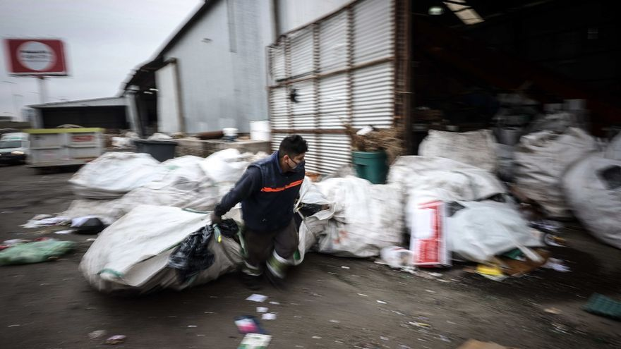 Cartoneros argentinos buscan recuperarse de la pandemia y formalizarse