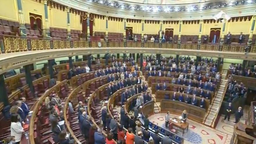Minuto de silencio por Rita Barberá en el Congreso
