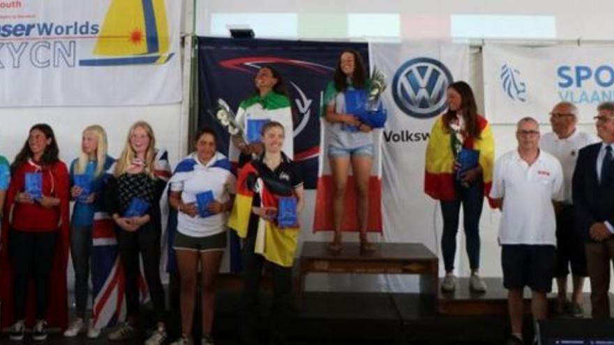 La regatista del Club Náutico Sevilla sube al podio en aguas de Nieuwpoort en la categoría Láser 4.7