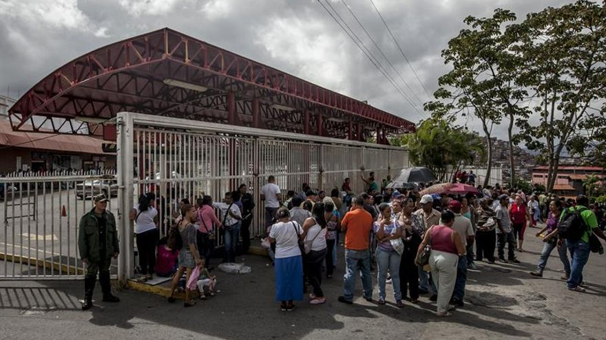 La oferta y distribución de alimentos en Venezuela está mejorando, dice un ministro