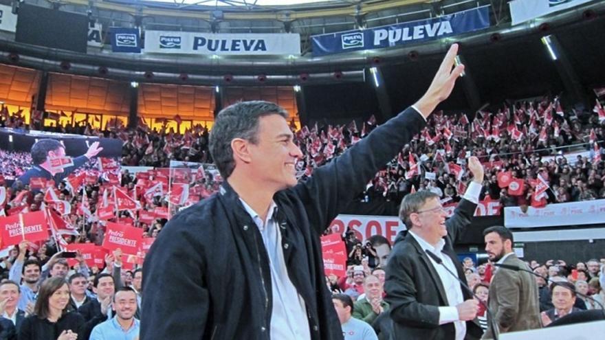 """Pedro Sánchez espera arrinconar a Rajoy con la corrupción e imponerse como """"ha hecho"""" en el Congreso"""