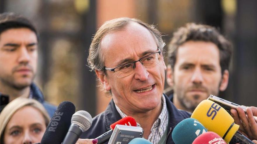 Alonso (PP): La Constitución no rige en el campus universitario de Álava