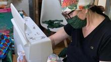 """Los barrios murcianos suman más de 4.000 mascarillas a la lucha contra el coronavirus: """"Estamos baldadicas de tanto coser"""""""