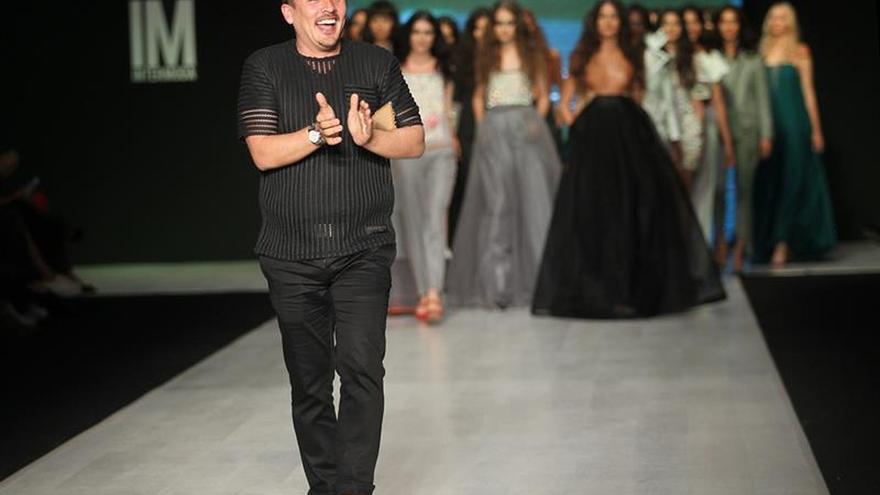 La moda colombiana florece y busca sello propio, asegura el diseñador Jorge Duque