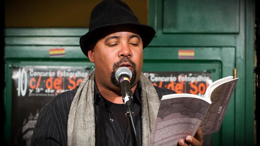El poeta e improvisador cubano Alexis Díaz Pimienta