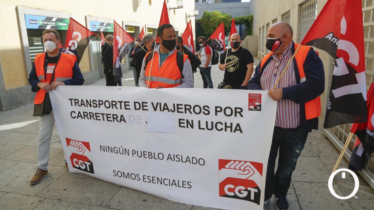 Protestas en defensa del transporte rural