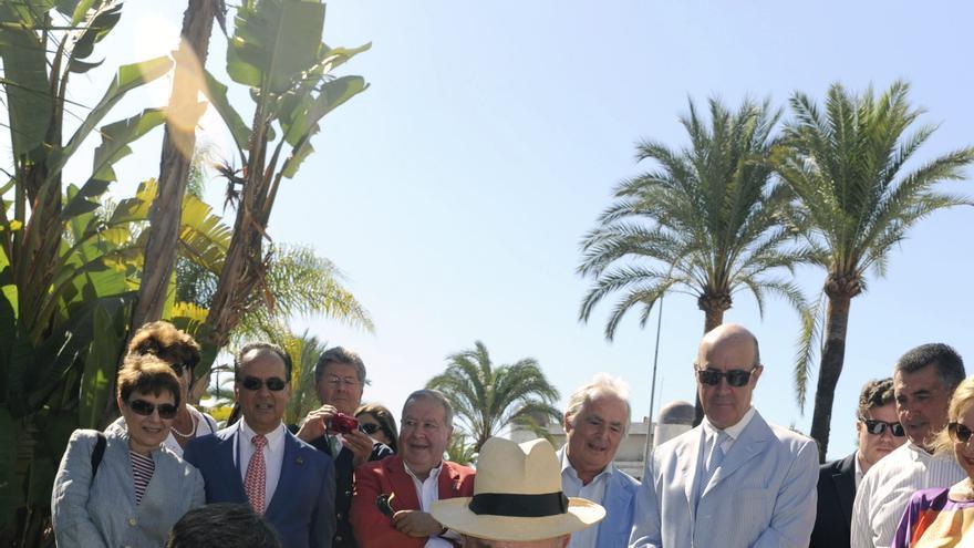Marbella homenajea al Conde Rudi con una estrella en el Bulevar de la Fama
