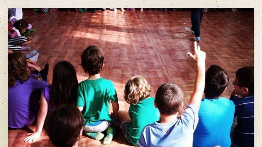 Los organizadores han celebrado una asamblea abierta de niños y niñas sobre la huelga y sus motivos.