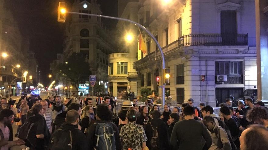 Se disuelve la concentración de Barcelona ante la Jefatura de Polícia