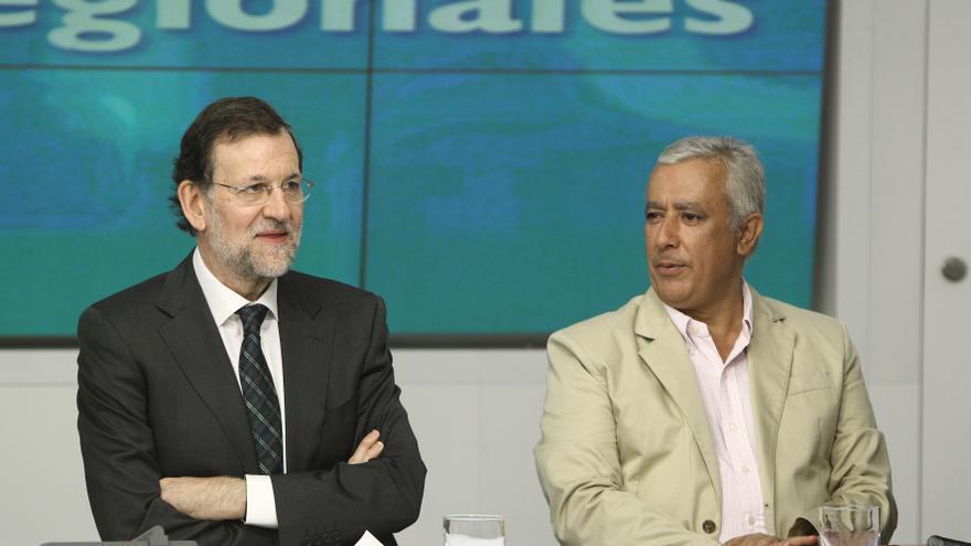 Rajoy planteó en 2009 más control del patrimonio y actividad privada de los cargos públicos con Bárcenas aún de senador