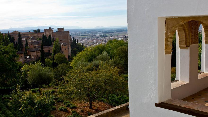 La Alhambra desde uno de los miradores del Generalife.