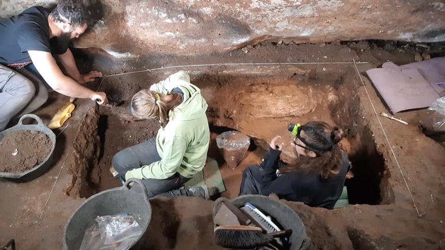 Foto: Equipo de Investigación en la Cueva de Los Casares