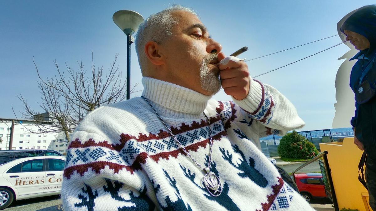 Juan Manuel Rodríguez ha cursado a la AEMPS la primera petición de un particular para cultivar cannabis (marihuana) de manera legal.