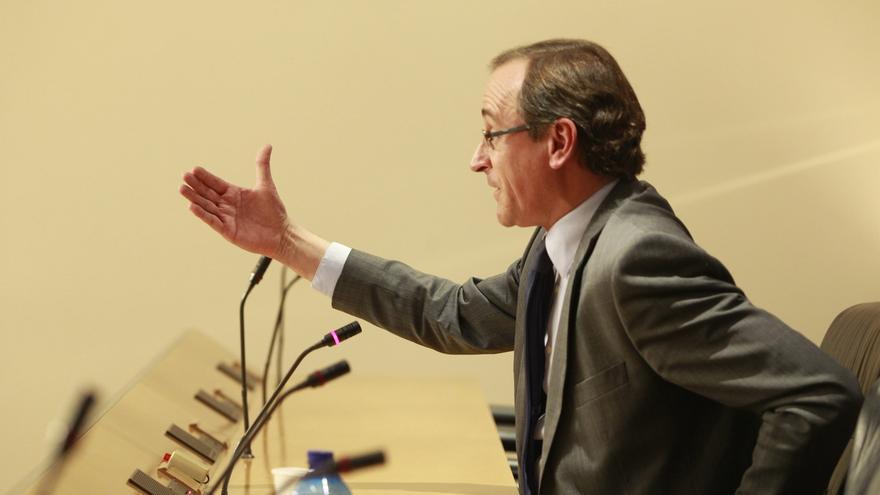 """Alonso replica a las voces que acusan de pasividad a Rajoy que está actuando de manera """"prudente pero firme"""""""